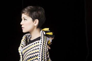 """Natalia Lafourcade sigue explorando el folklore latinoamericano con """"Desdeñosa"""". Cusica Plus."""