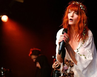 Florence-and-the-machine-Cusica-Plus