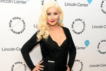 "Christina Aguilera vuelve a las baladas con ""Twice"". Cusica Plus."