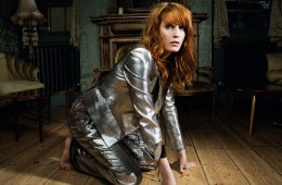 "Florence + The Machine abren las puertas del misterioso video de ""Big God"". Cusica Plus."