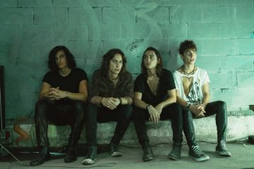 "Greta Van Fleet estrena su nuevo sencillo ""When the Curtain Falls"". Cusica Plus."