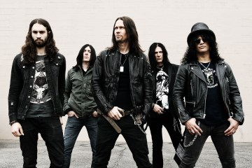 """Driving Rain"" es lo nuevo de Slash y Myles Kennedy & The Conspirators. Cusica Plus."