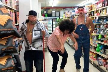 """Bad Bunny presenta su nuevo tema """"Cual es tu plan"""" con Ñejo, Dj Nelson y Pj Sin Suela. Cusica Plus."""