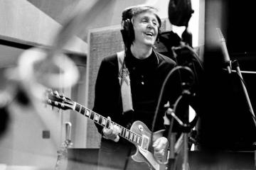 Paul McCartney fue entrevistado por Howard Stern, y habló de la separación de The Beatles. Cusica Plus.