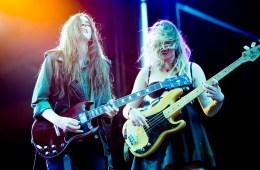 Según Fender el 50% de las nuevas guitarristas son mujeres. Cusica Plus.
