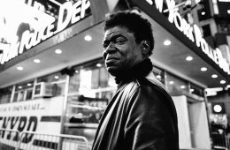 "Publican tema póstumo de Charles Bradley, titulado ""Can't Fight the Feeling"". Cusica Plus."