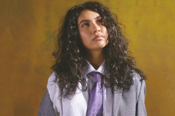 Escucha 'The Pains Of Growing', el nuevo disco de Alessia Cara. Cusica Plus.