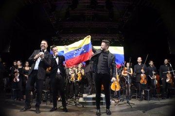 Guaco y La Orquesta Sinfónica Simón Bolívar llenaron de música el CCCT. Cusica Plus.