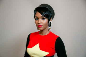 "Janelle Monée versionó ""High Tide or Low Tide"" de Bob Marley & The Wailers en el Spotify Singles. Cusica Plus."
