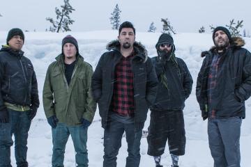 Deftones confirma nueva música para el próximo año. cusica plus.