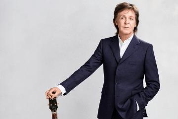 "Paul McCartney interpretó en vivo ""Get Back"" junto a Ringo Starr y Ronnie Wood. Cusica Plus."
