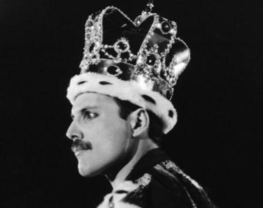 Freddie Mercury, Elton John y Rod Stewart estuvieron cerca de hacer una banda juntos. Cusica Plus.