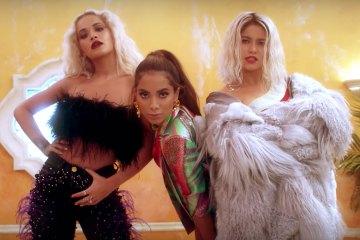 """Rita Ora se une a los ritmos latinos con Anitta y Sofia Reyes en """"R.I.P"""". Cusica Plus."""