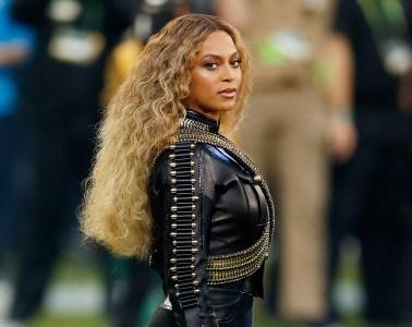 Beyoncé publica su nuevo disco en vivo 'Homecoming: The Live Album'. Cusica Plus.