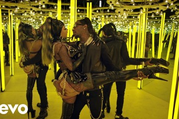 "Cardi B y Offset protagonizan el sensual videoclip de ""Clout"". Cusica Plus."