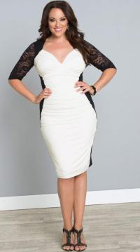 White dress for plus size women: trendy fashion of white color