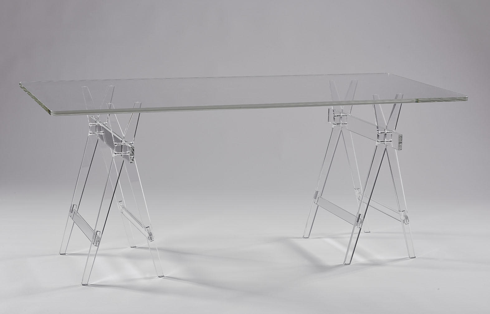 Table Transparente Plexiglass Table En Plexiglas Et Mobiliers Fonctionnels En Plexi Pluxi 2