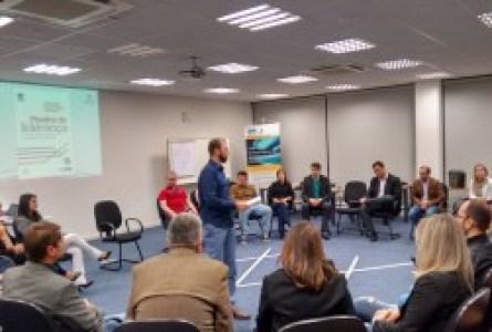 25 pessoas participaram do Ciclo de Palestras do PMI SC em Blumenau