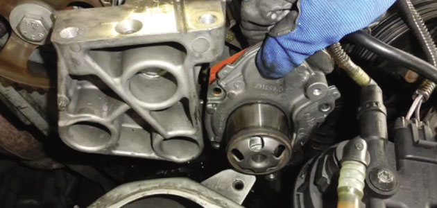 How to replace a timing belt on a Renault Laguna - Professional