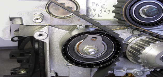 How to replace the timing belt on a Renault Clio II - Professional