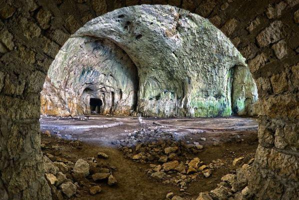 Деветашката пещера 5
