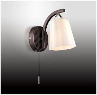 Светильник со свисающим выключателем