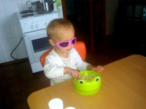 Как научить ребёнка есть самостоятельно