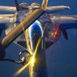 Avião de combate norte-americano sobrevoando o território do EI. Foto: Departamento de Defesa dos EUA