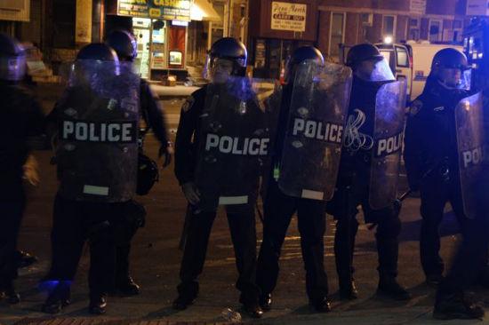 Baltimore_riot_police