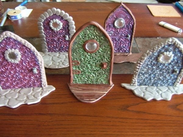Making fairy doors from polymer clay polymer clay for Make fairy door craft