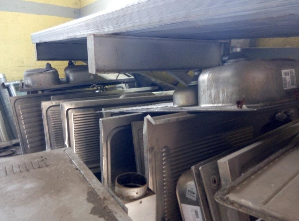 Lavello Cucina Industriale Usato | Tavoli Inox Per Cucina Tavolo ...