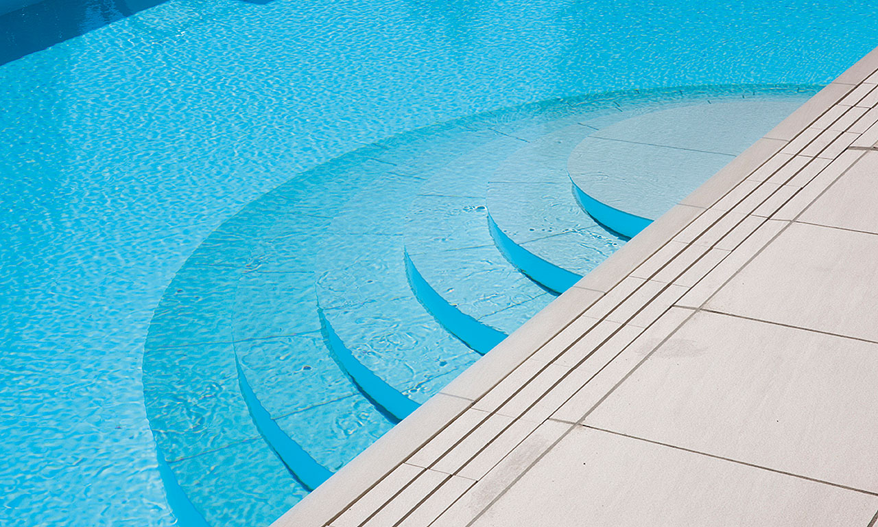 Pool Treppe Rund Außenpool Neues Outfit Pool Magazin