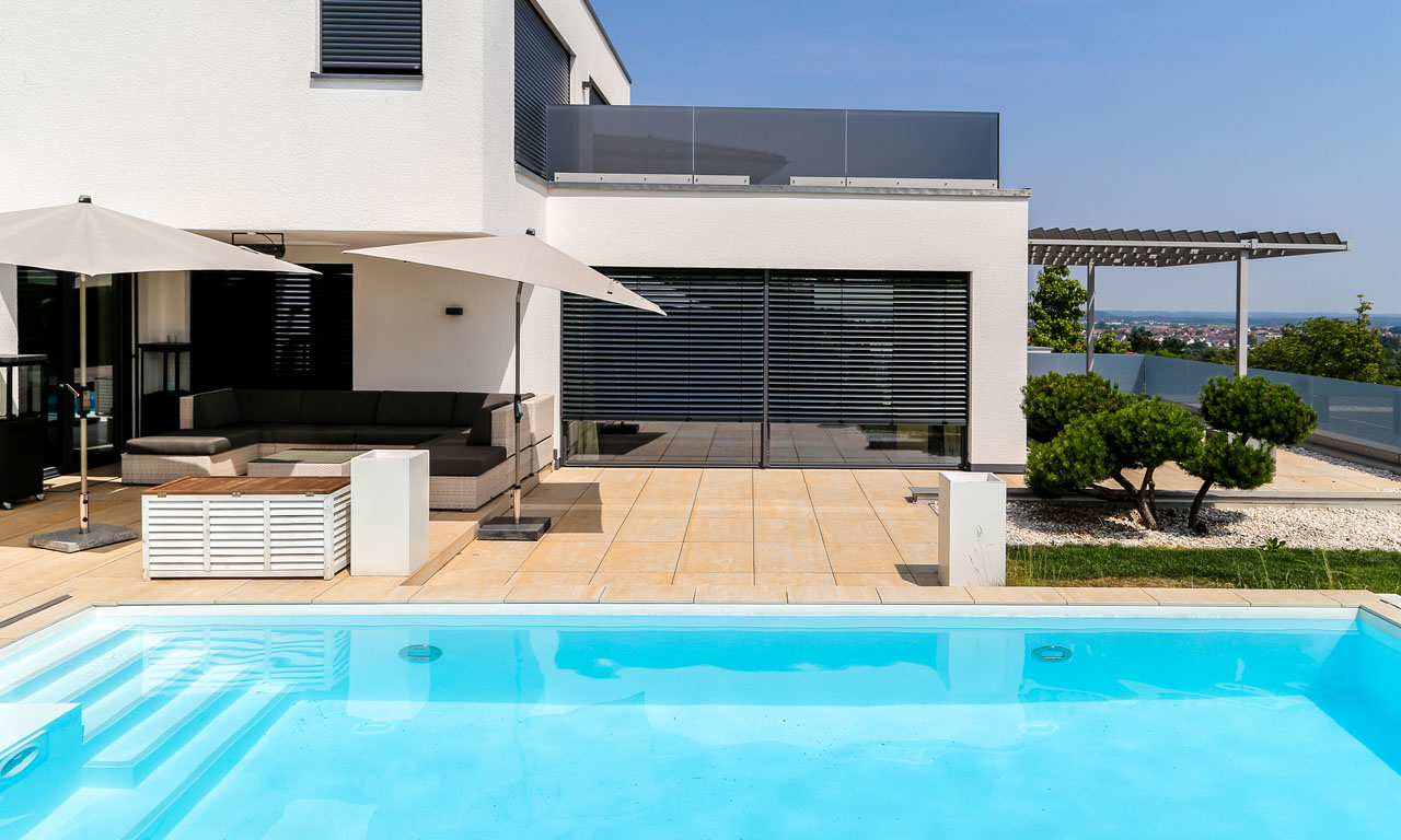 Pool In Terrasse Integriert Pool Mit Schiebedach Pool Magazin