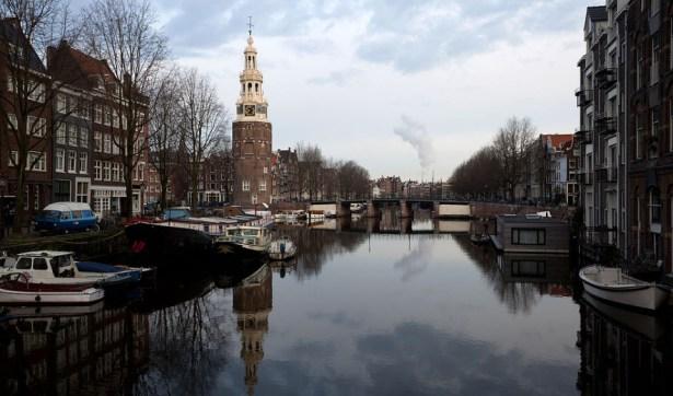 Amsterdam,_the_Netherlands_-_Rapenburgwal