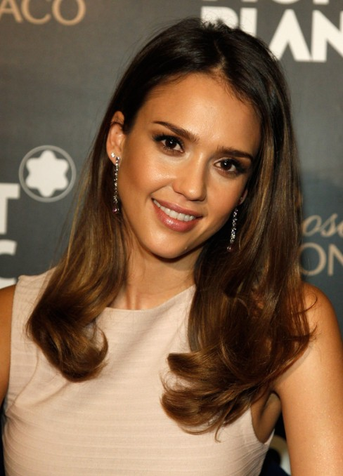 Short Pixie On Black Hair Jessica Alba Soft Curls Hairstyle Popular Haircuts