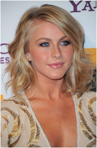 Pixie Cuts With Wavy Hair Soft Wavy Hairstyles Medium Hair Cuts Trends Popular