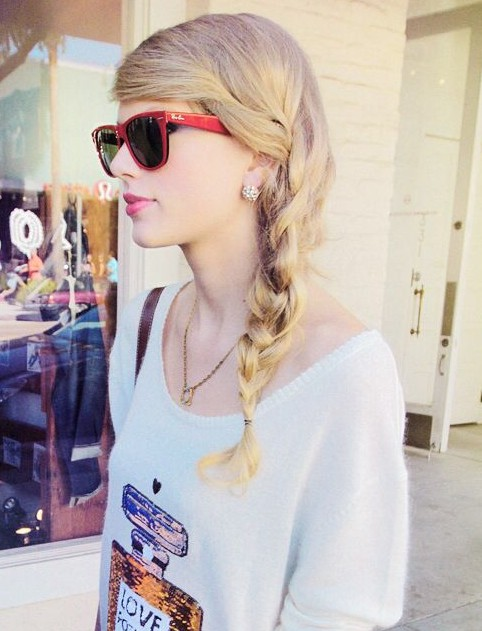 16 Taylor Swift Hairstyles