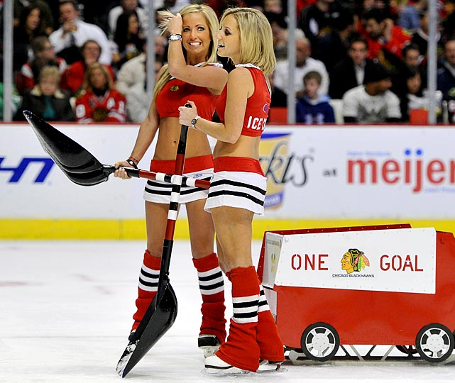 Hockey Girl Wallpaper Chicago Blackhawks Ice Crew Photos From The 2010 2011