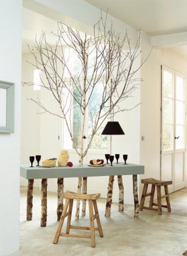 decoracion con ramas y hojas