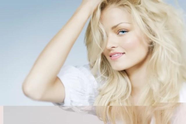 Farbowanie włosów na blond. Jakich zasad się trzymać?