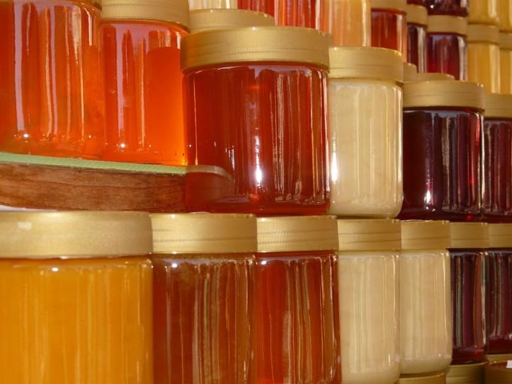 Rodzaje miodów - jaki miód wybrać?