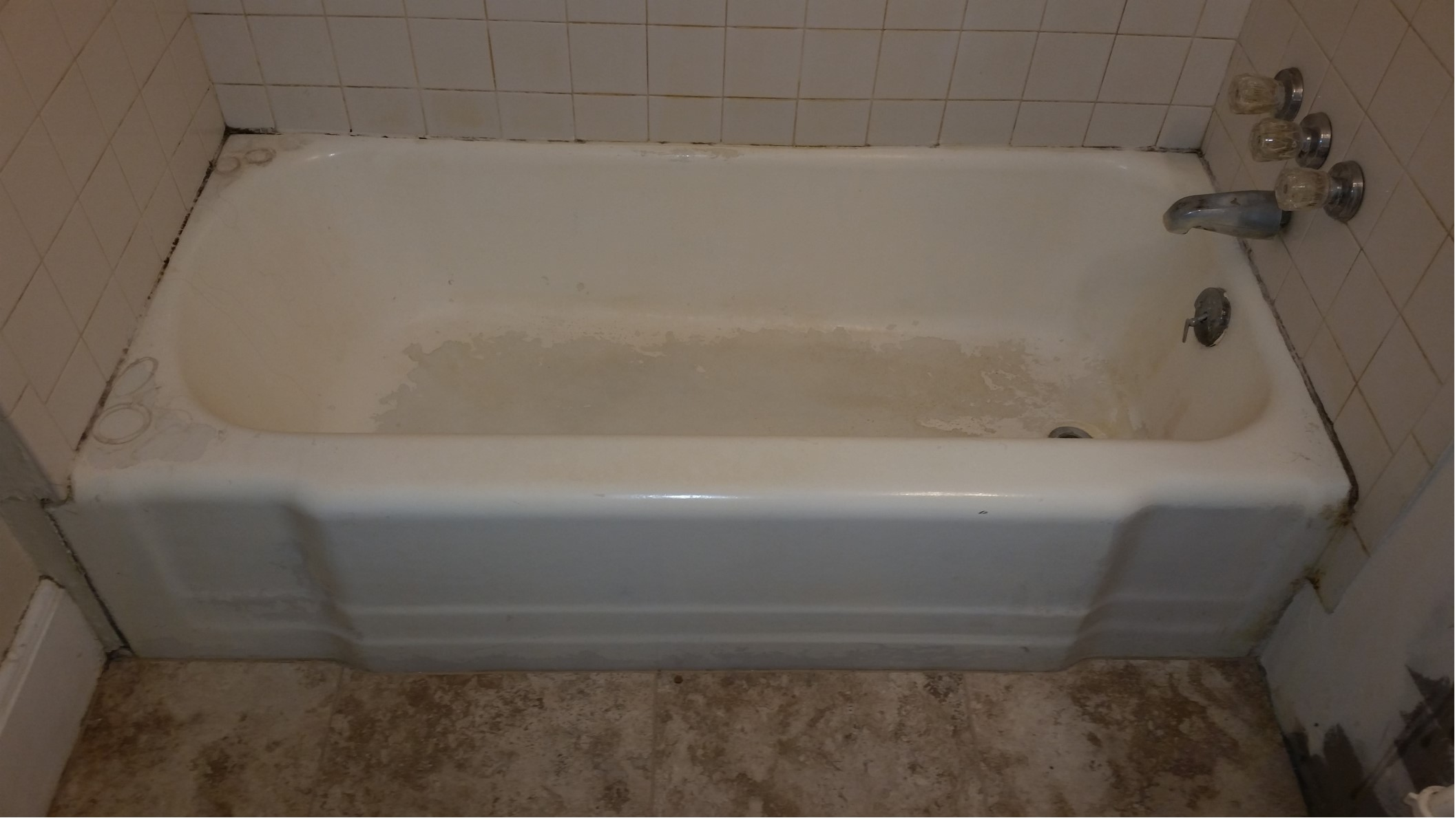 Bathtub services in green bay wi and bathroom repair for Bathtub refinishing