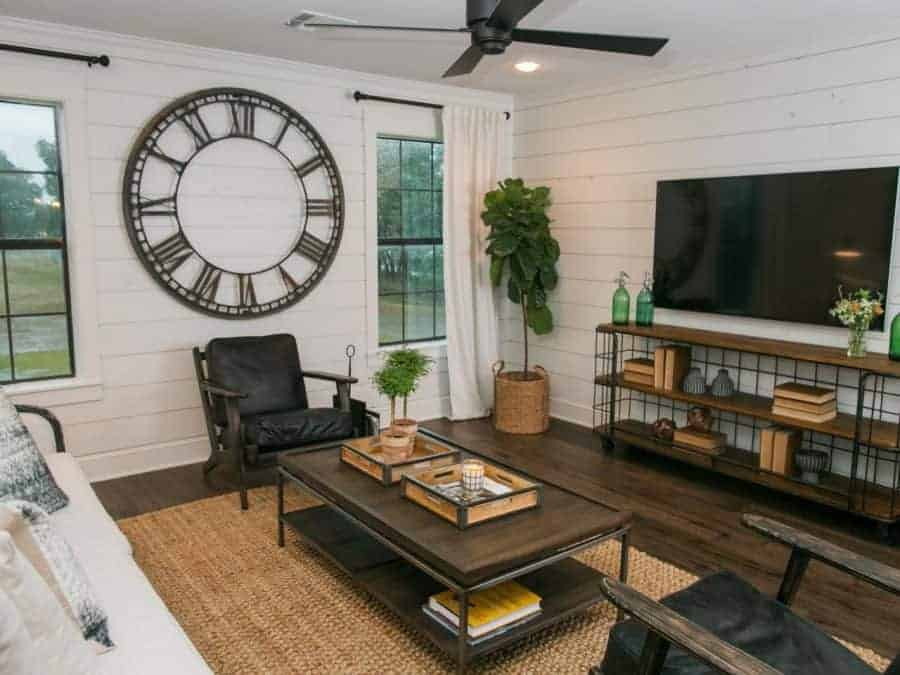 Get the Fixer Upper Look: Living Rooms