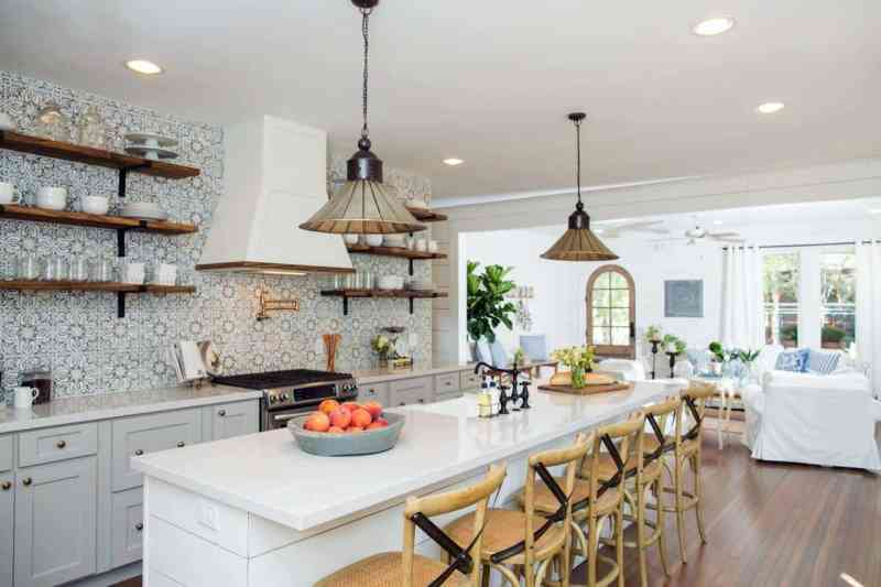 Want to copy the look of your favorite Fixer Upper farmhouse kitchens but don't have hours to spend searching for the items you want? Wife in Progress has done all the work and gathered an extensive list of copycat items!