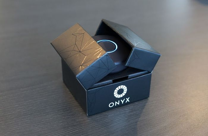 onyx-onbeep-group-personal-communicator-1