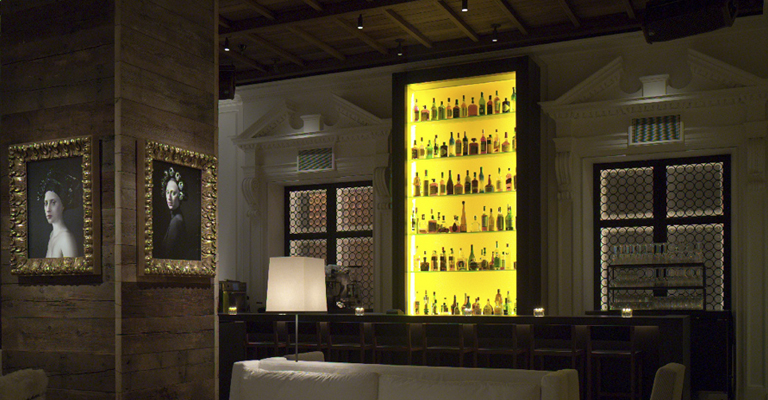 3-the-library-public-hotel-chicago-midwest-hotel-bars-2014