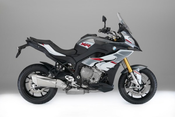 The BMW S1000XR's New Color Scheme-01