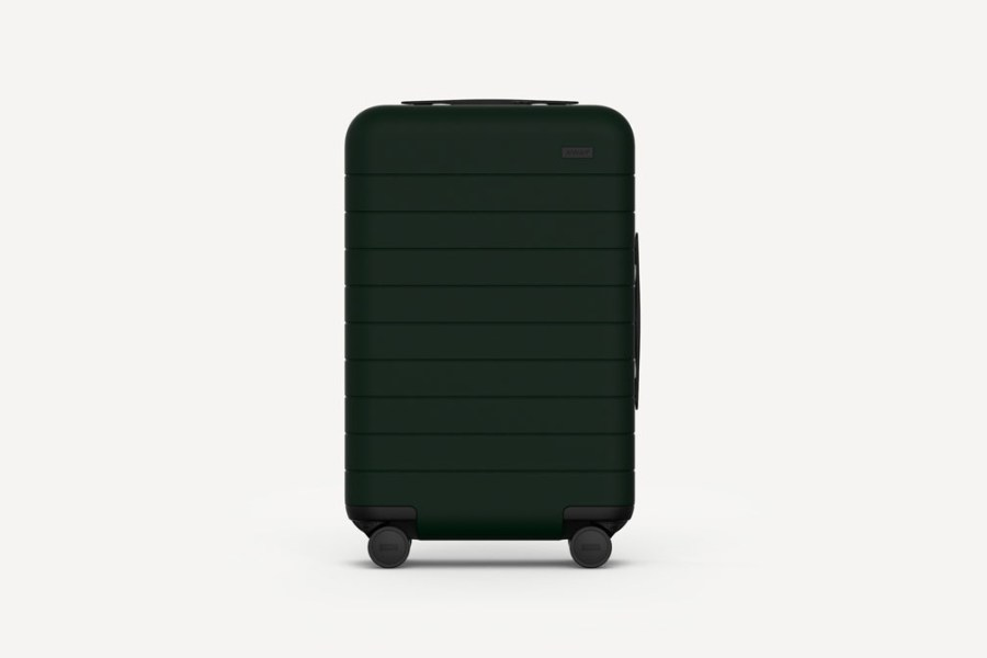 The-New-Away-Luggage-Collection-is-Direct-to-Consumer-01