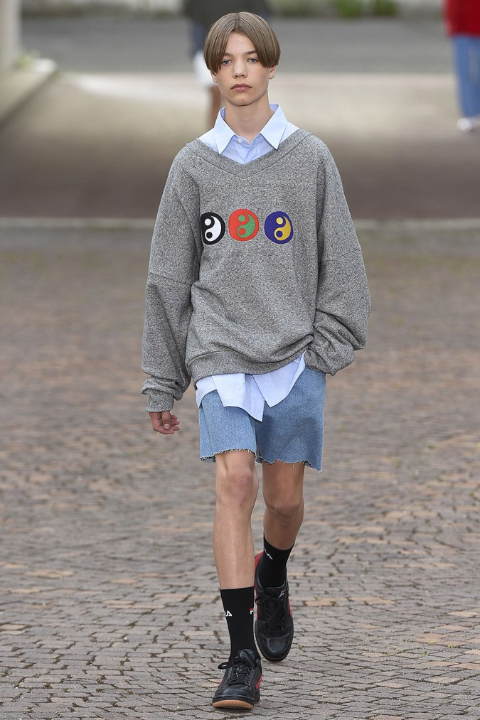 gosha-rubchinskiy-spring-summer-2017-collection-florence-10