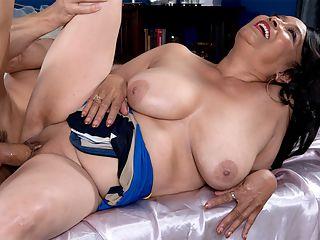 my moms big tits
